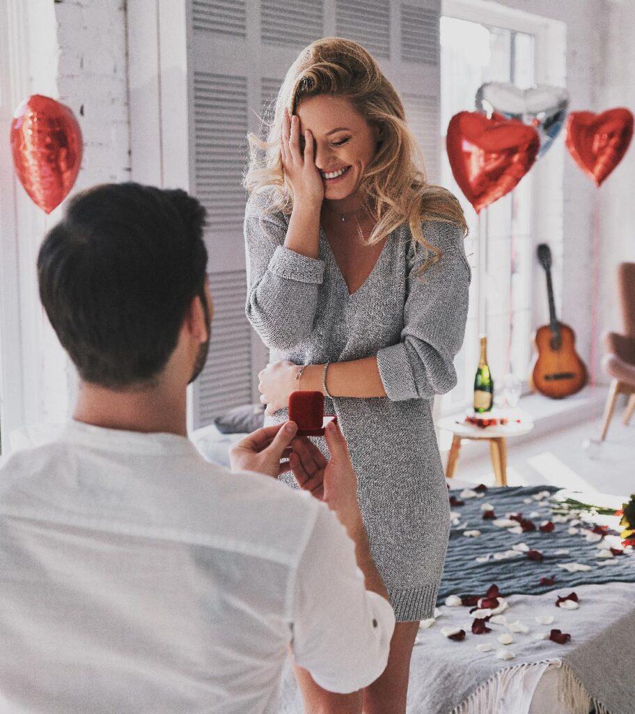 Come organizzare una proposta di matrimonio palloncini a cuore